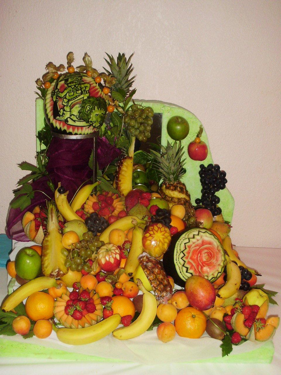 patissier et sculpteur sur fruits et l gumes dans l 39 aude corbeille de fruits. Black Bedroom Furniture Sets. Home Design Ideas